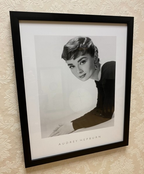 Bild Audrey Hepburn 55x44cm Colmore Schwarz Rahmen Wandbild Hollywood Star